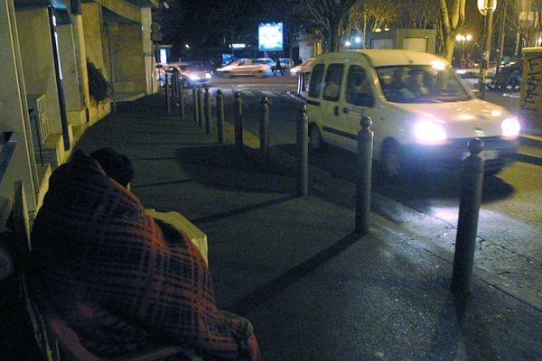 Un SDF dans les rues de Marseille