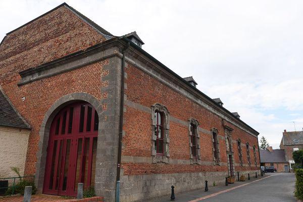 La grange dîmière de Maroilles accueille la Maison du Parc naturel régional de l'Avesnois