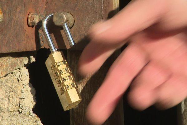 Poser un cadenas, une de solutions pour sécuriser son exploitation agricole