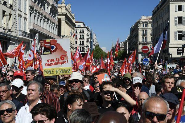 Militants communistes et de la France Insoumise rassemblés à Marseille le 9 avril 2017