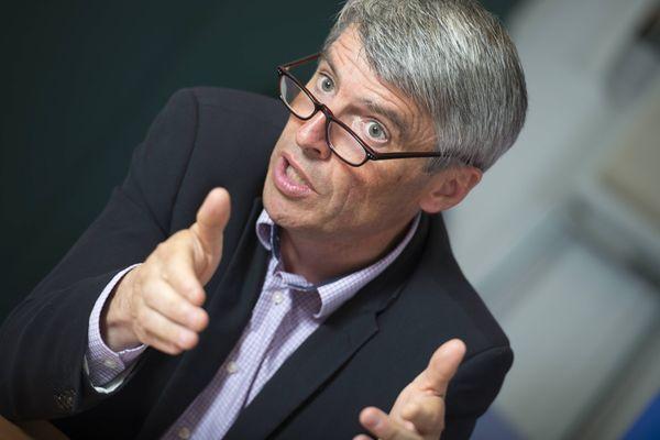 Olivier Allain, lors de la campagne des législatives en 2017. Il était alors le candidat LREM de la 3è circonscription des Côtes-d'Armor, remportée par Marc Le Fur (LR).