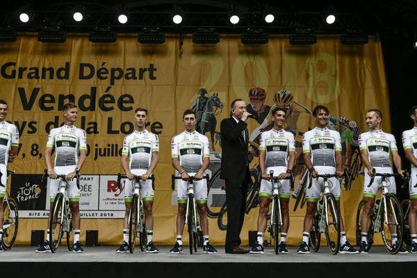 L'équipe bretonne Fortuneo-Samsic compte quatre Bretons dans son effectif dont Warren Barguil, son leader. Ici, lors de la présentation des équipes le 5 juillet à La Roche-sur-Yon.