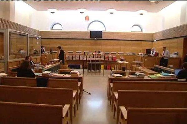 21/05/15 - La cour d'assises des Bouches-du-Rhône