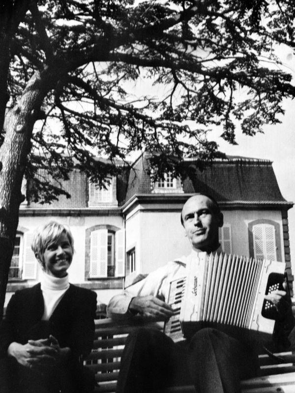 On a reproché à l'animatrice sa proximité avec Valéry Giscard d'Estaing.