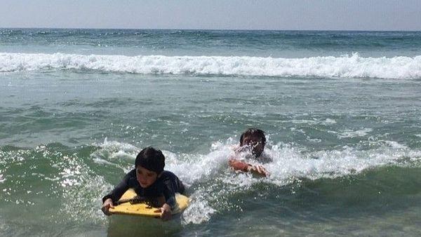 Lorsque le moniteur est dans l'eau il peut respecter la distance de sécurité avec l'élève