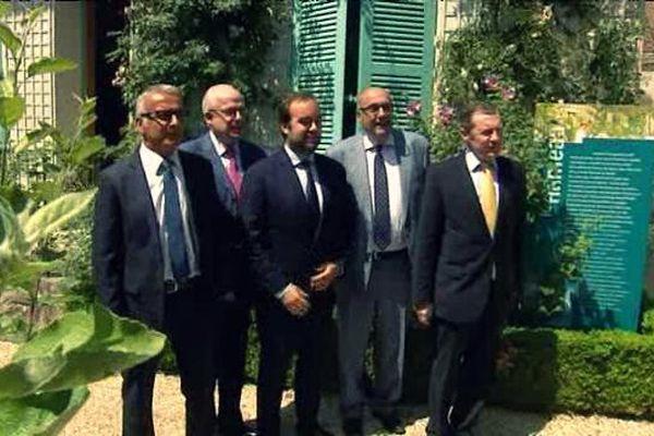 Les 5 présidents des départements de la future grande Normandie à Giverny