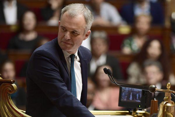 Les députés étaient réunis mardi 11 juillet pour évoquer la réforme du code du travail. Alors que le député de l'Allier, Jean-Paul Dufrègne s'apprêtait à prendre la parole, le Président de l'Assemblée nationale a murmuré un : « Putain, il est chiant ».
