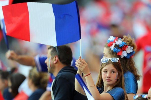 Des supporters au stade de Nice le 12 juin 2019 pour le match de Coupe du monde France-Norvège.