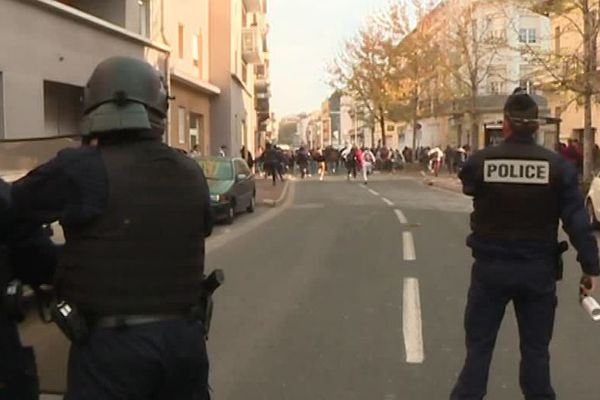 Perpignan : 4e jour de face à face entre lycéens et policiers, 14 arrestations - 22 novembre 2018.