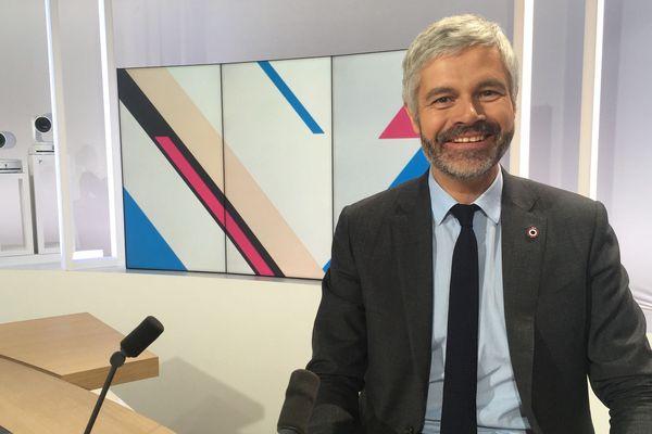 Laurent Wauquiez, président du Conseil Régional Auvergne-Rhône-Alpes sur le plateau de Dimanche en Politique