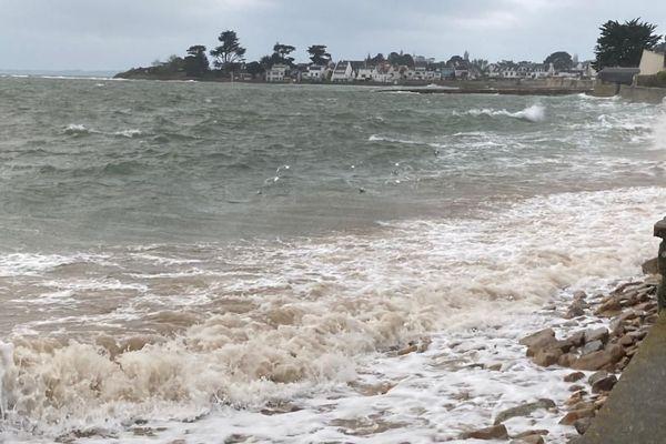 Le bouillon des grandes marées à Larmor-Plage