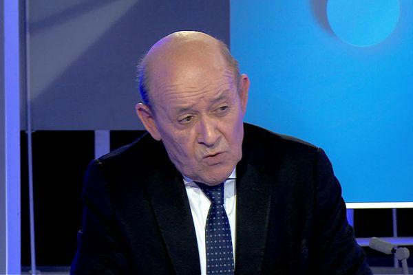 Jean-Yves Le Drian sur le plateau de Vox Breizh sur France 3 Bretagne