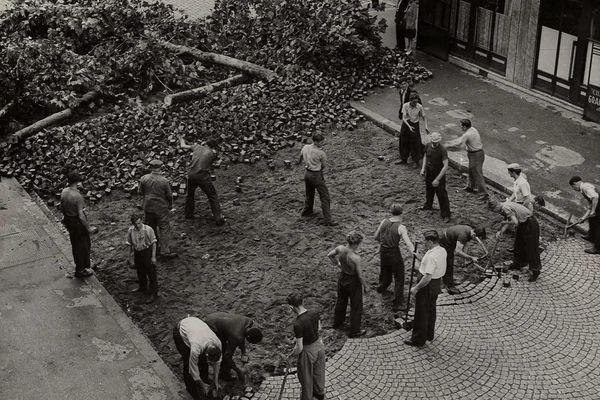 «Libération de Paris - 22 août 1944 - Montrouge avenue de la République».