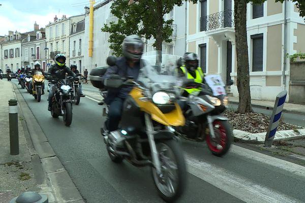 Plus de 200 motards ont fait vrombir leurs machines dans les rues de Périgueux pour dénoncer la dangerosité de nombreuses infrastructures routières dans le département