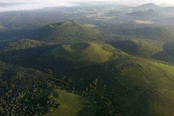 Le réveil des volcans d'Auvergne n'est pas impossible selon un scientifique de Clermont-Ferrand.