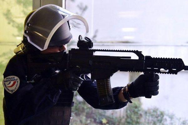 Les BAC (brigades anticriminalité )seront équipées pour la première fois de 204 fusil d'assaut HK G 36, qui étaient réservés jusqu'à présent aux forces d'intervention d'élite.