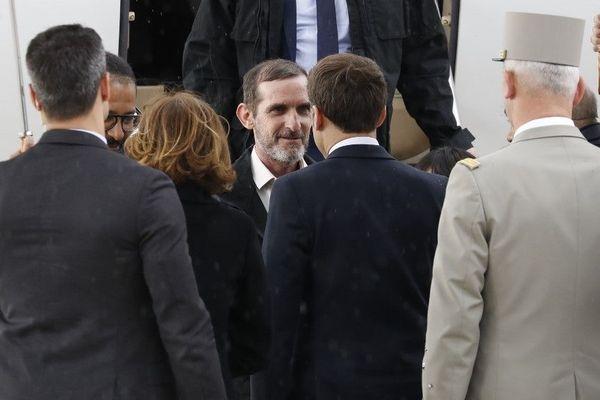 Le manchois Patrick Picque salue et remercie le président de la république, Emmanuel Macron.