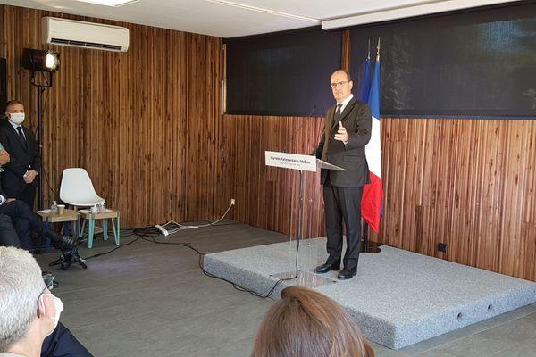 """Jean Castex aux journées parlementaires du Modem le mardi 8 septembre 2020. """"L'heure est grave """" Il appelle à l'unité."""