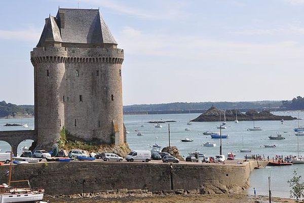 L'école de jet-skis sera implantée en face la Tour Solidor à Saint-Malo (35)