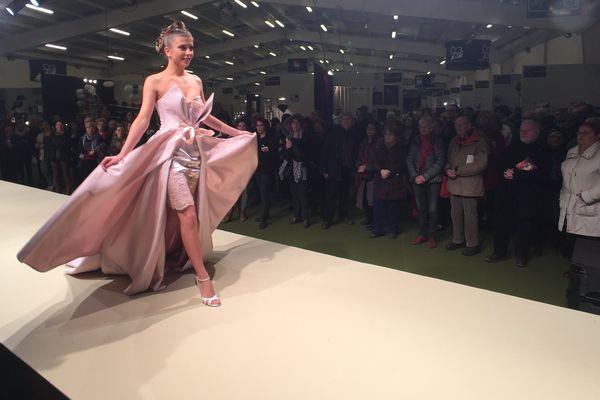 Le défilé de mode comme vitrine des métiers d'art de la couture