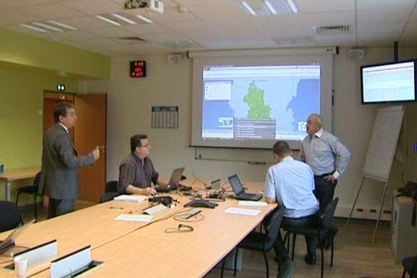 Cellule de crise dans les locaux d'ErDF à Clermont-Ferrand