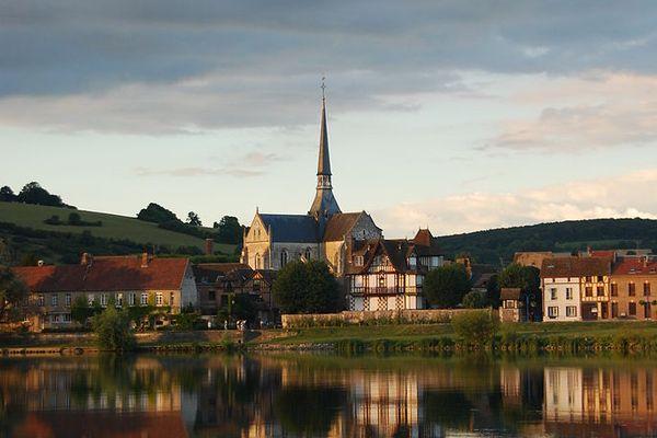 Dans l'Eure, les Andelys bénéficieront de quelques éclaircies matinales avant l'arrivée des nuages puis de la pluie.