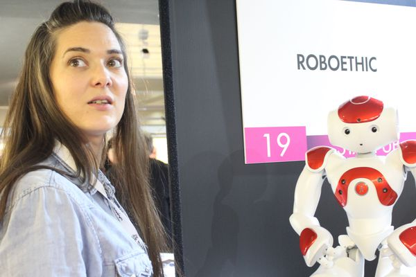 Flavie Laborie, cofondatrice de Roboethic, au salon Human Tech Days de Tours