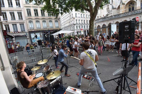 Les concerts de rue ne seront pas autorisés pour l'édition 2021 de la Fête de la Musique à Lyon, dans le Rhône, en raison de la crise sanitaire.