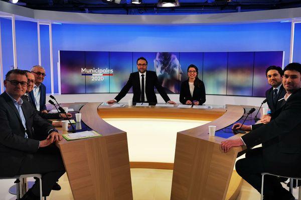 un débat présenté par Vincent Thollet et Sophie Constanzer (France Bleu Champagne-Ardenne) consacré aux candidats à la Mairie de Reims.