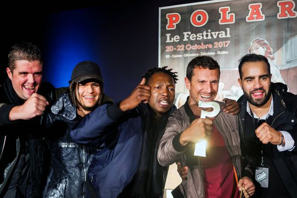 """De gauche à droite, les acteurs et réalisateurs de """"Caïd"""", Mohamed Boudouh, Nicolas Lopez, Abderamane Diakhite, Ange Basterga et Kylian DaCosta au 22e festival du Polar de Cognac, le 22 octobre 2017."""