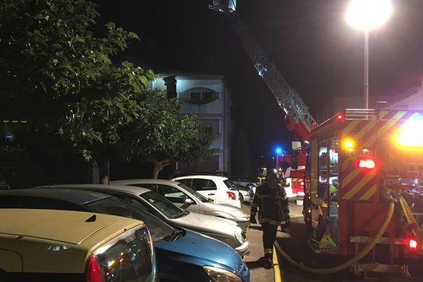 Une vingtaine de personnes ont du être évacuées en raison d'un incendie.
