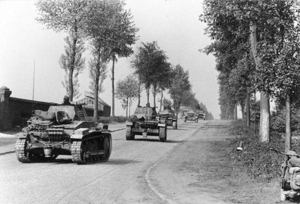 Des blindés allemands en Belgique en mai 1940.