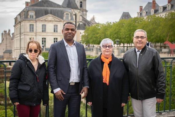 """Les candidats de """"la France autrement"""" dans le canton de Blois 1 : Christine Lozanne (remp.), Gildas Vieira, Danielle Mandard et Mario Creuzet (remp.)"""