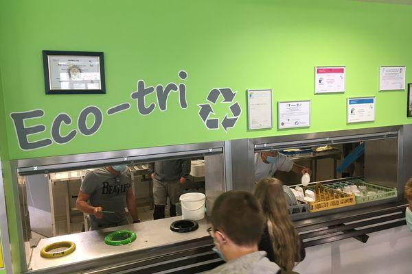 La démarche éco-bio responsable est poussée jusqu'au bout, les déchets alimentaires partiront en plateforme de compostage bio...où ils pourront servir de substrat à de nouvelles cultures !