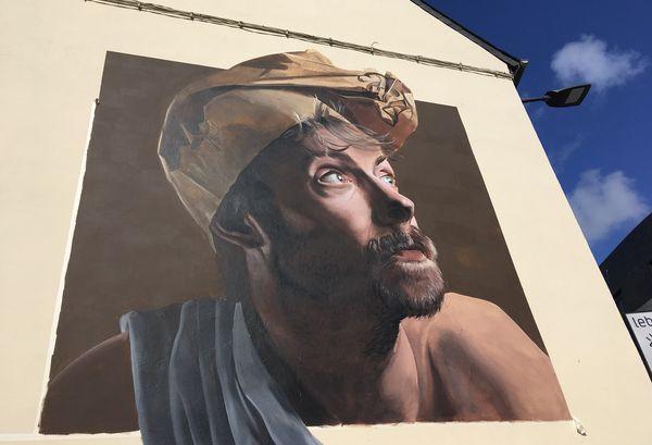 Depuis sa création en 2018, le festival Just Do Paint a permis à des dizaines de murs abandonnés du centre-ville de Saint-Brieuc de raconter de nouvelles histoires
