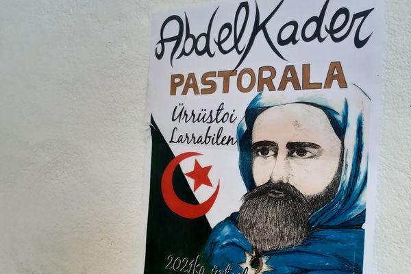 La pastorale met à l'honneur l'émir Abdelkader, figure de la résistance algérienne au XIXe siècle