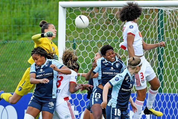 le 30/04/2021, 1er but de l' OL sur une tête de Wendie Renard, Amandine Henry ouvre le score face au Havre