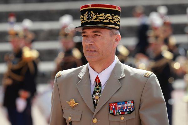 Thierry Burkhard, originaire de Delle dans le Territoire de Belfort, va prendre la tête des armées françaises.