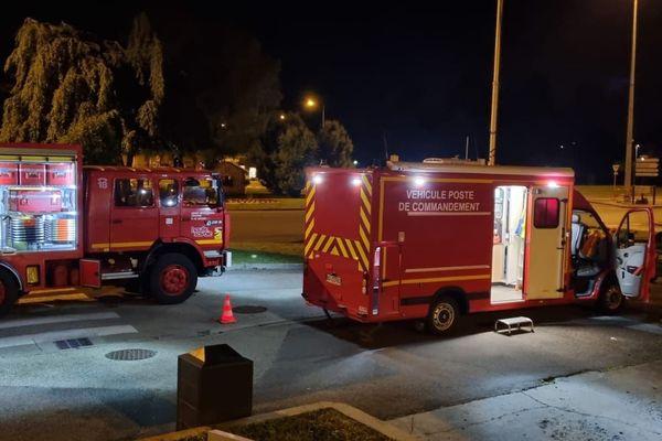 Une quarantaine de pompiers ont été mobilisés à Cluses (Haute-Savoie) dans la nuit du 14 au 15 juin 2021 pour une intoxication au monoxyde de carbone dans un immeuble.