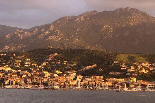 Des ressortissants sardes sont coincés en Corse depuis la suspension des lignes maritimes avec la Sardaigne suite à l'épidémie de Coronavirus.
