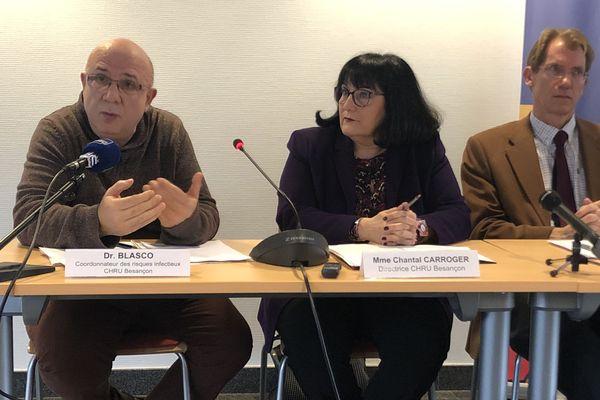 Dr Gilles Blasco, coordonnateur des risques infectieux du CHRU de Besançon et Chantal Carroger, directrice générale du CHRU de Besançon.