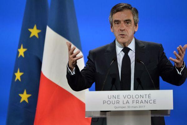 François Fillon, candidat LR à l'élection présidentielle, en meeting à Quimper - 30/03/2017