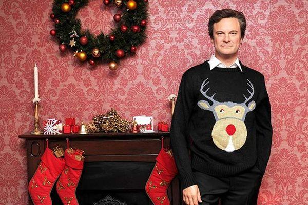 """L'acteur Colin Firth et son célèbre pull de Noël dans """"Le Journal de Bridget Jones"""""""