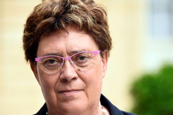 Marianne Dubois, cosignataire d'une tribune contre le mécanisme choisi pour la revalorisation du SMIC.