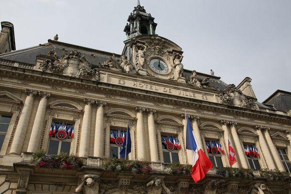 Depuis déjà quelques mois, les spéculations vont bon train pour savoir qui siégera à l'Hôtel de Ville de Tours en 2020.