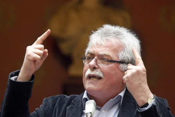 Le député Front de Gauche du Puy-de-Dôme André Chassaigne pugnace face au gouvernement