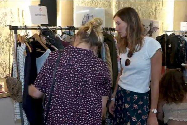 Une vingtaine de blogueuses mode bordelaise organisaient leur propre vide-dressing ce dimanche. En vendant les vêtements qui ont fait leur succès sur les réseaux sociaux.