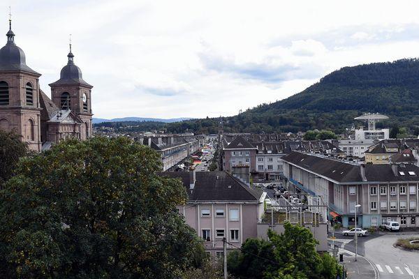 A Saint-Dié-des-Vosges, le maire sortant est réélu dès le premier tour.