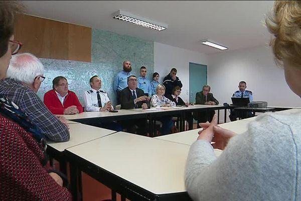 Une rencontre entre élus et gendarmes a eu lieu le 9 avril, pour discuter des nouveaux dispositifs mis en place par les autorités.