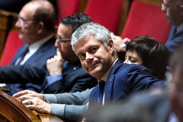 Le président de la région Auvergne-Rhône-Alpes devra choisir entre son mandat à la Région et son mandat parlementaire s'il est élu